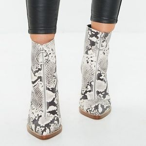Missguided Snake Print Boots w/ Ring Pull Size: 40